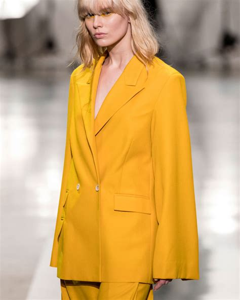 Fashion Must Items Of The Season by 10 Z Yellow Items To Your Wardrobe Into Style
