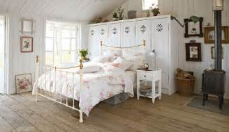 Homes And Interiors Floral Bedroom Country Days