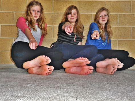 Group Model Feet | teen feet whozwho live