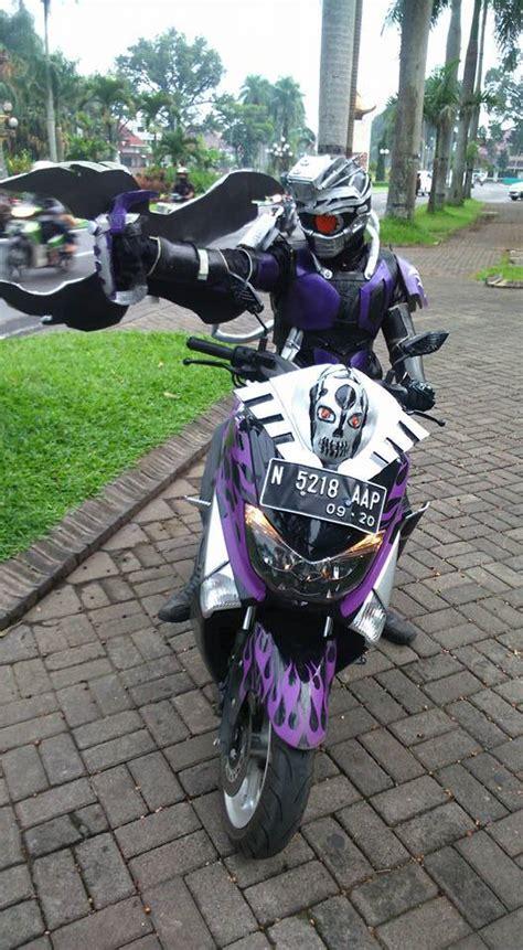 kamen rider naik yamaha nmax aripitstop