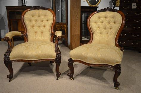 Antique Chairs by Pair Of Walnut Period Antique Chairs At 1stdibs