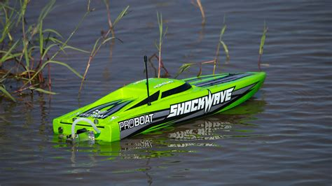 rc boats on water how to get into htesting the pro boat shockwave 26 tested