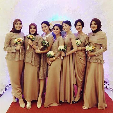 desain baju bridesmaid pakaian muslimah couple 20 desain baju muslim keluarga