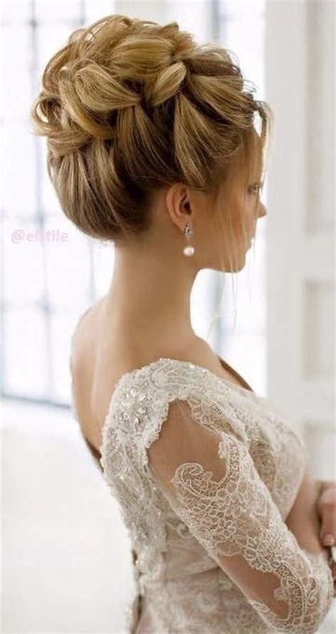 Wedding Hair For V Neck Dress by 73 Unique Wedding Hairstyles For Different Necklines 2017