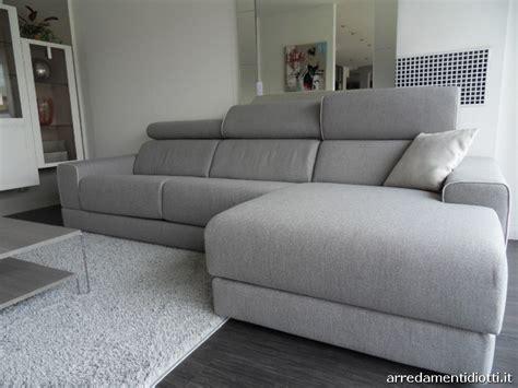 divani grigio perla divano in prezzo affare caratterizzato dagli elementi