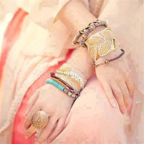 beautiful hands with bangles dps for girls awesome dp 51 best images about aawla dp s on pinterest