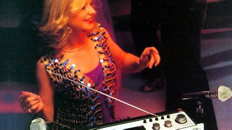 le cassette le cassette radio silent gloves remix