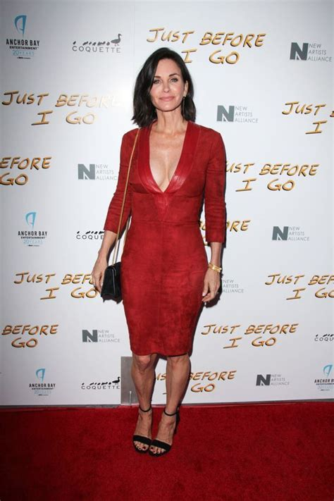 Courteney Cox Stuns With courteney cox looks fabulous at fifty as she stuns in