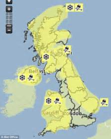 will it snow tomorrow met office weather warning for uk weather forecasters warn of 15c temperatures as snow