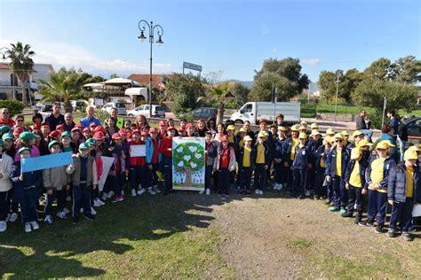 istituto comprensivo giardini naxos celebrata a giardini naxos la festa dell albero con le