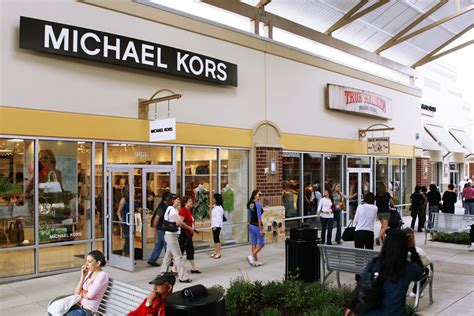 Outlet Stores by Complete List Of Stores Located At Houston Premium Outlets 174 A Shopping Center In Cypress Tx