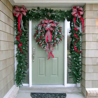 decorating your doorway for christmas dot com women