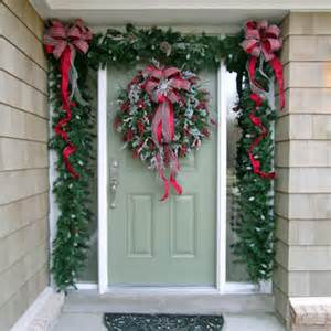 decorating your doorway for christmas dot com women