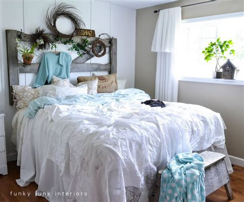 Unique Bedroom Ls by How To Decorate A Bedroom With Linens Funky