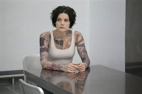 tattoo girl on blind spot jaimie alexander blindspot season 1 episode photos