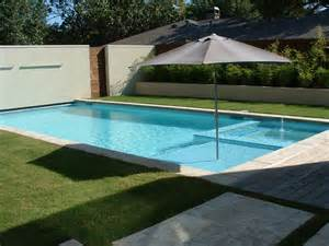 Pool Tanning Chairs Design Ideas Tanning Ledge And Line Coping Pool Garden Fort Lauderdale Umbrellas
