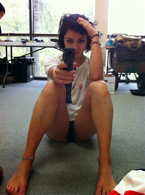 Sexy Vanessa Hudgens Nude Boobs