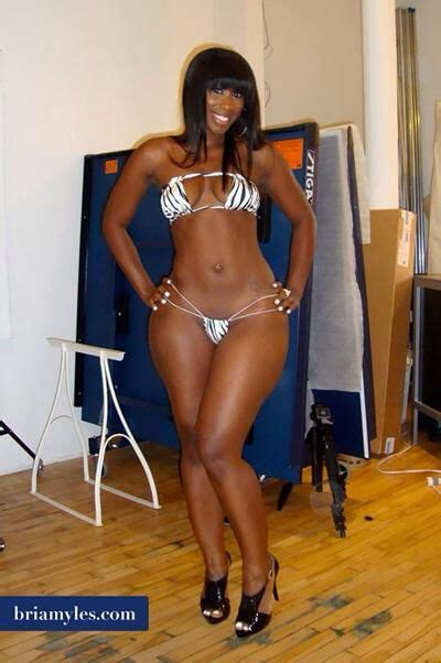 whos the hot black woman on the liberty mutual insurance tv commercial pin by gato herrera on them hips pinterest curvy