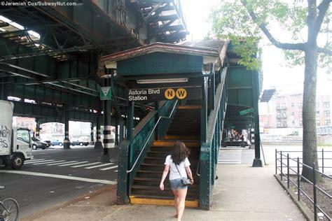 Astoria Blvd-Hoyt Avenue (N,W) - The SubwayNut Y Intersection Sign