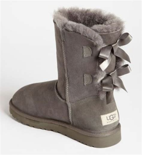 bow back uggs these are shoessss
