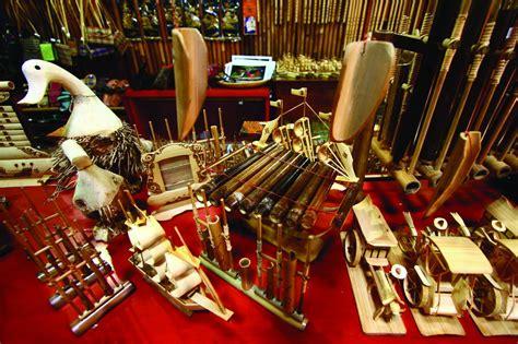 Pusat Oleh Oleh Gantungan Kunci Negeri Indonesia 10 oleh oleh khas bandung yang paling terkenal