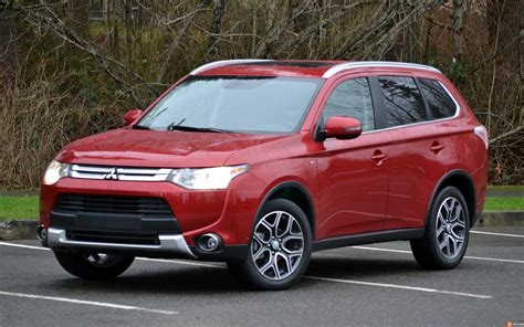 2015 mitsubishi outlander the 2015 mitsubishi outlander has a powerful engine and