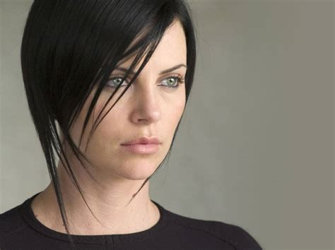 aeon flux black woman s hairstyle wallpaperstopick charlize theron