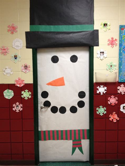 christmas classroom door 32 best images about classroom themes year decorations on classroom