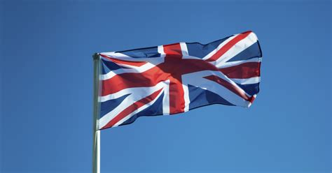 Knotted Rope Intl how to tie a flag to a pole ehow uk