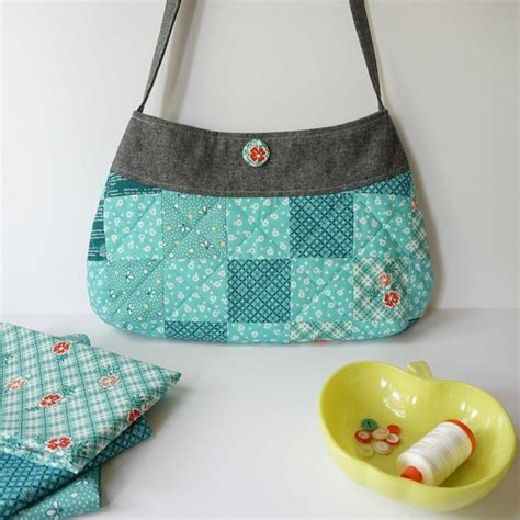 21 Crafty Patchwork Projects To All Free - free pattern springtime patchwork purse sewing