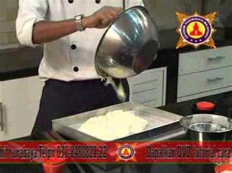membuat kue  pandan roll kukus pie buah ukm jawa