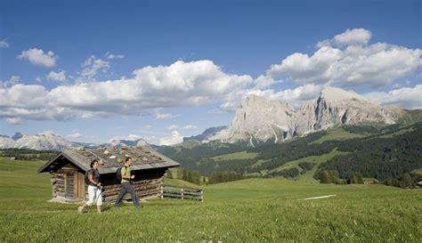 alpi di siusi appartamenti alloggi sull alpe di siusi vacanze in alto adige