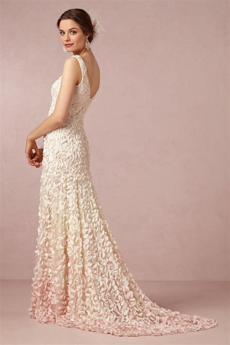 hochzeitskleid romantisch perlen spitze ombre romantische brautkleider von bhldn