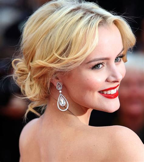 older actresses with hair in bun 25 best ideas about celebrity updo on pinterest side