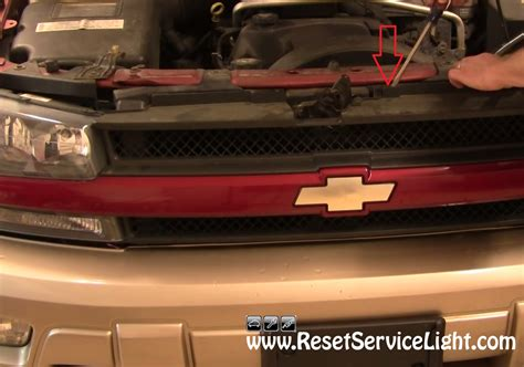 how to reset change light on 2002 chevy silverado how to change the front grille on chevy trailblazer 2002