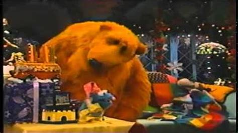 bear inthe big blue house a berry bear christmas video bear in the big blue house a berry bear christmas quot bear in the big blue
