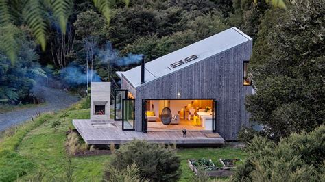 zealands backcountry huts inspired  breezy open home curbed