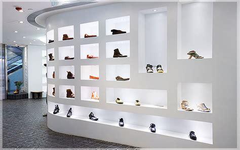 desain lemari sepatu minimalis jasa desain interior toko minimalis di jakarta