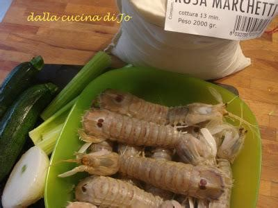 cicale di mare come cucinarle risotto con canocchie e zucchine paperblog