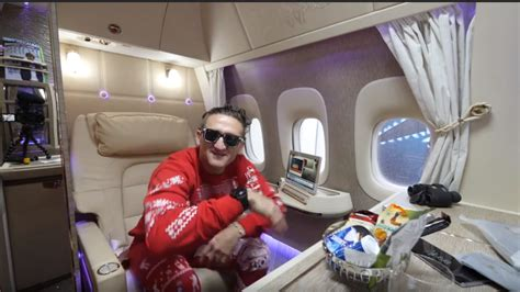 emirates youtube first class watch youtube star casey neistat s unique review of