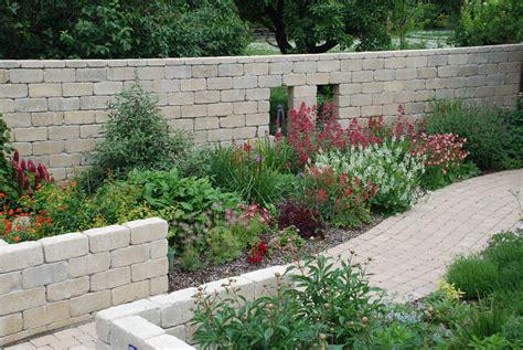Garten Gestalten Leicht Gemacht by Gartengestaltung Leicht Gemacht Beet Mit Steinen
