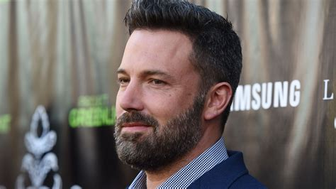 ben affleck shows off huge back tattoo while justin