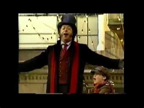 youtube christmas carol 2001 tim curry 75th annual macy s thanksgiving day parade 2001 a carol