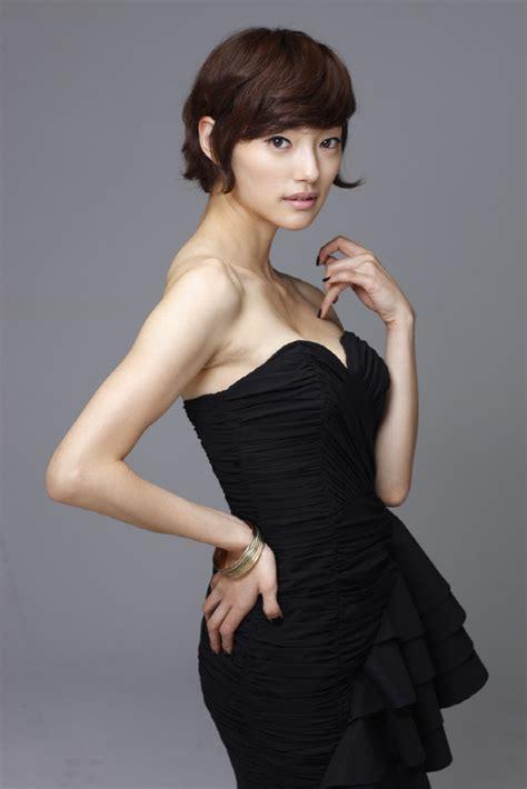 korean actress lee el 광고 속 유해진의 그녀 이엘 quot 김혜수 선배와 비슷했나요 quot 스포츠조선