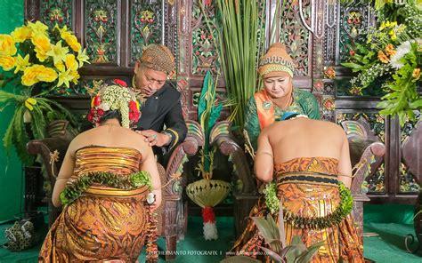Pose Wedding Adat Jawa by Foto Pernikahan Baju Adat Jawa Black Hairstyle And Haircuts