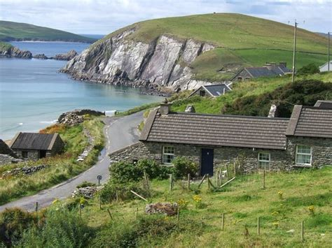 Cottage Building coumeenole cottage coumeenole dunquin co kerry house