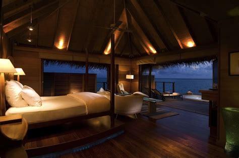 underwater bedroom in maldives spectacular underwater bedroom in maldives my modern met