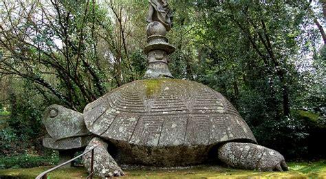 giardino dei mostri viterbo parco dei mostri le spaventose e affascinanti statue di