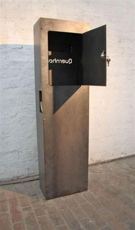 Rostige Nägel by Rostig