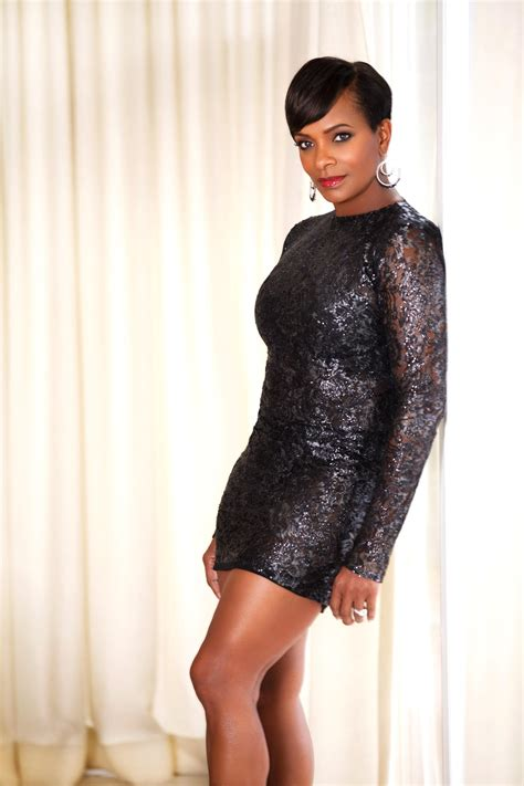 vanessa bell courageous woman magazine vanessa bell calloway triple threat cover story